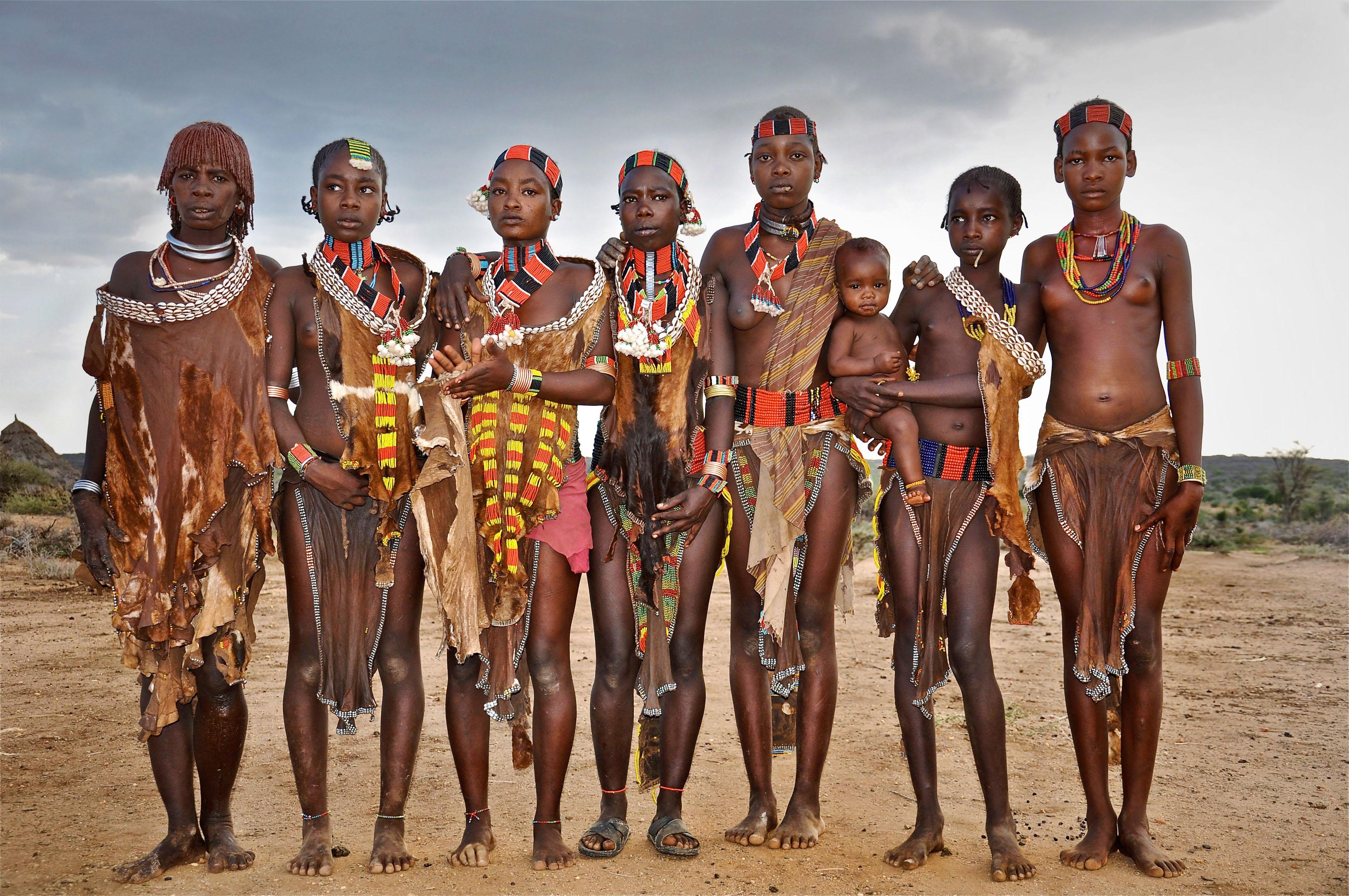 Фото диких племен африки без одежды 26 фотография