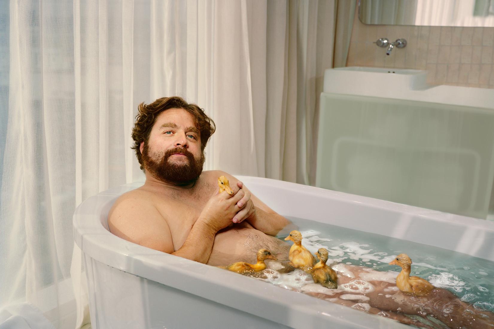 Смотреть порно с красивыми сестрами в ванной 3 фотография