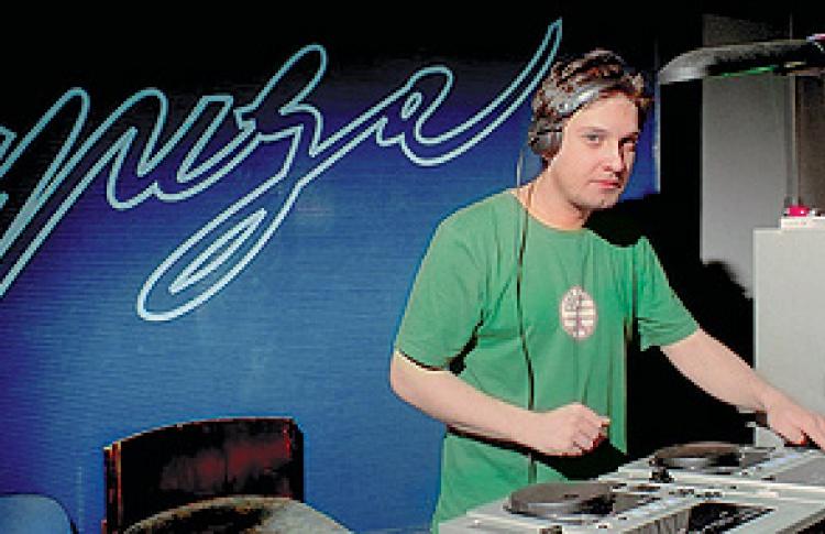 Absolut Revive Cerrone: DJs Uho, Feelgood