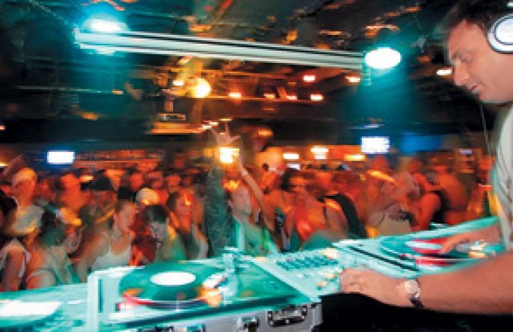 DJs Aphrodite (Великобритания), Novak, Ice, Poroxx, Мазай