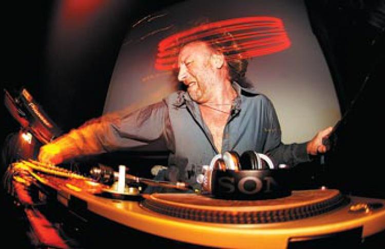 Old Skool Party - The Hacienda: DJ Питер Хук (Великобритания)