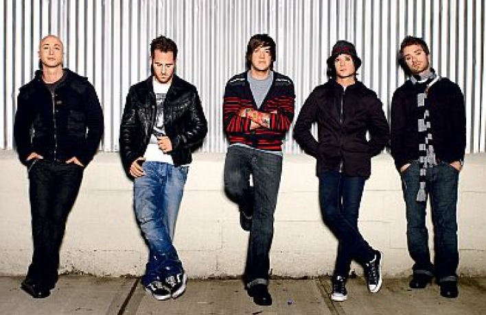 Себастьян Лефебр (Simple Plan): «Бритни мощна, вот быснами выступила»
