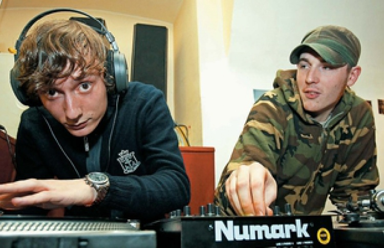 Mod Allnighter: Yellow Pillow; DJs Damir; Trojan Soundsystem; DJs MoBKid, Yearshow