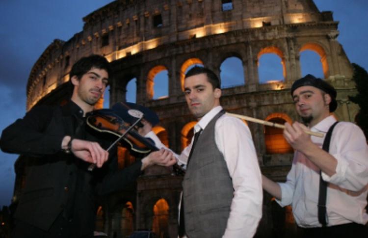 Surround Party: DJs Нари & Милани, Тиаго Булгари (все - Италия), Memfisa, Fashion, Cat
