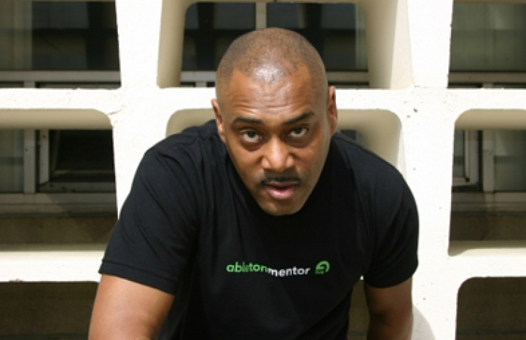 Roots United meets Mike Huckaby