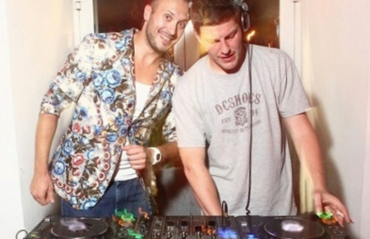 """Открытие сезона """"Домашних вечеринок"""""""": DJs Аlex Dee vs Вася Куйбар"""