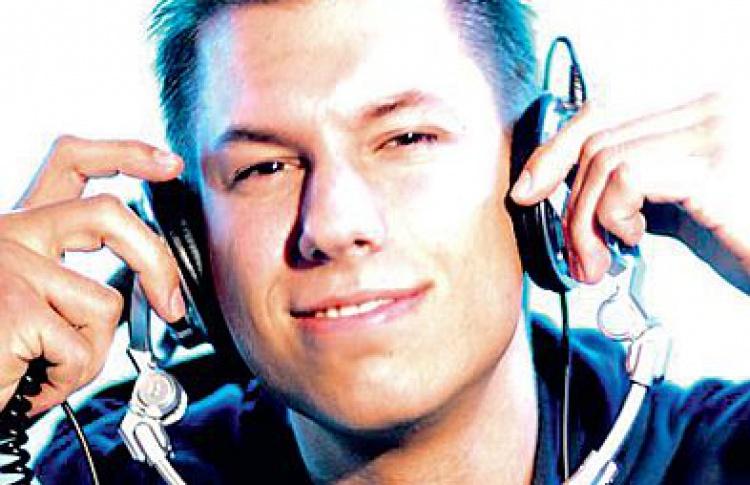 """Amnesia Ibiza '09. Маскарад"": Тодд Шиллингтон (Канада), Tiefschwarz (все - live), DJs Маркус Шульц (все - Германия), Менно де Йонг (Нидерланды), Brian Cross, Mar-T (все - Испания), Aurosonic, Musical Religion"