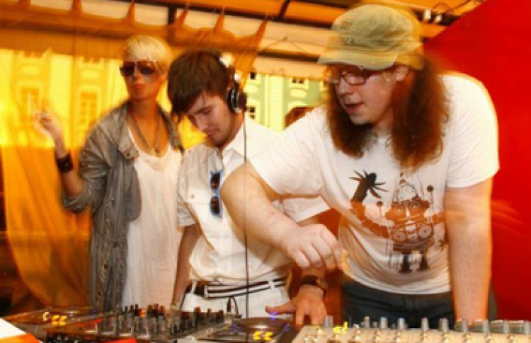 DJs R.H.P., American Gigolo