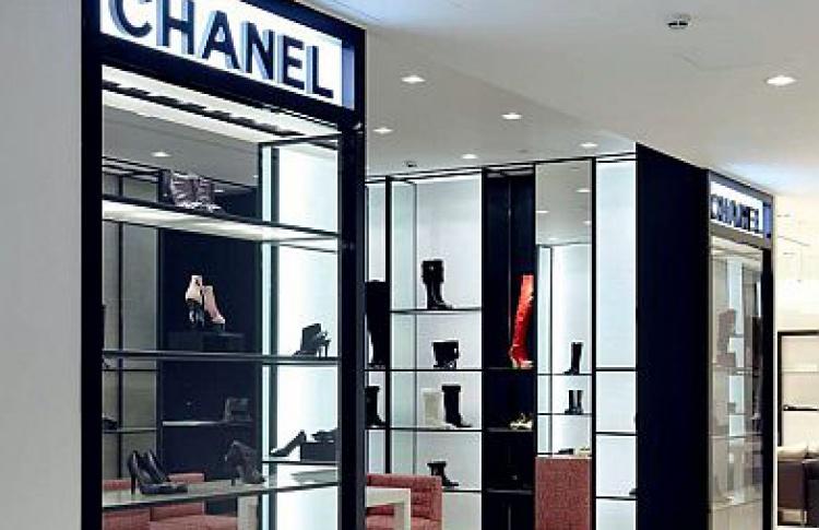 Обувной корнер Chanel вЦУМе