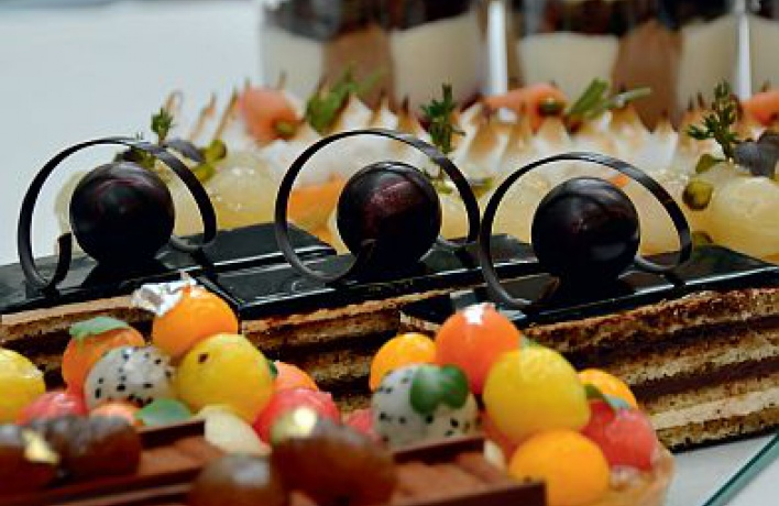 Десертные витрины Москвы