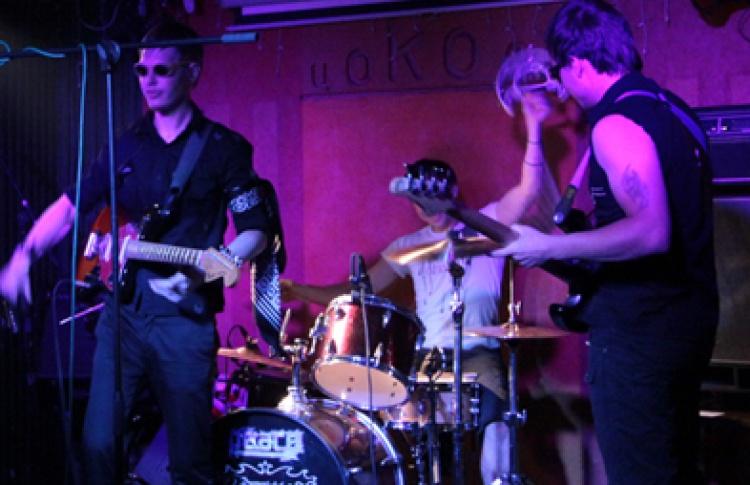 Garage Meets Sludge. 2KW of Silence, Bone Machinist, Synfonics, Gagairon