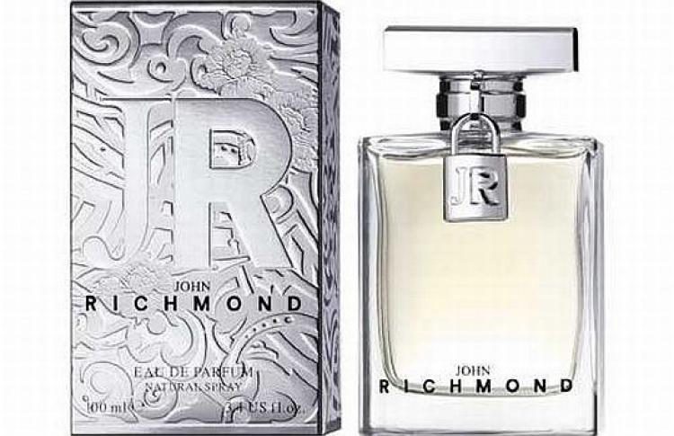 Первый аромат для женщин отJohn Richmond