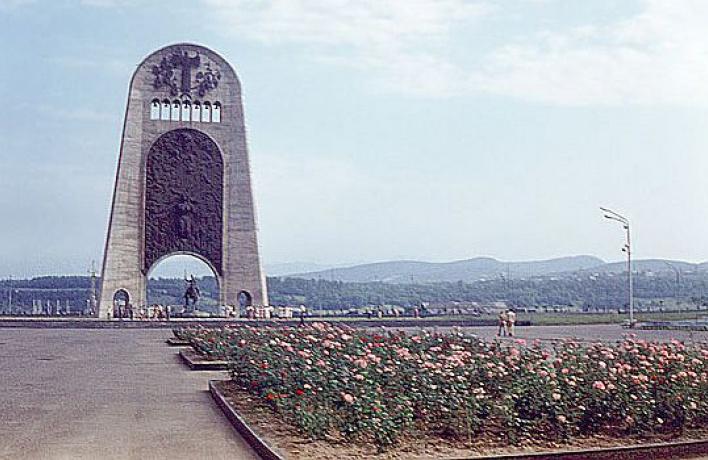 Грузинский Мемориал Cлавы восстановит Церетели