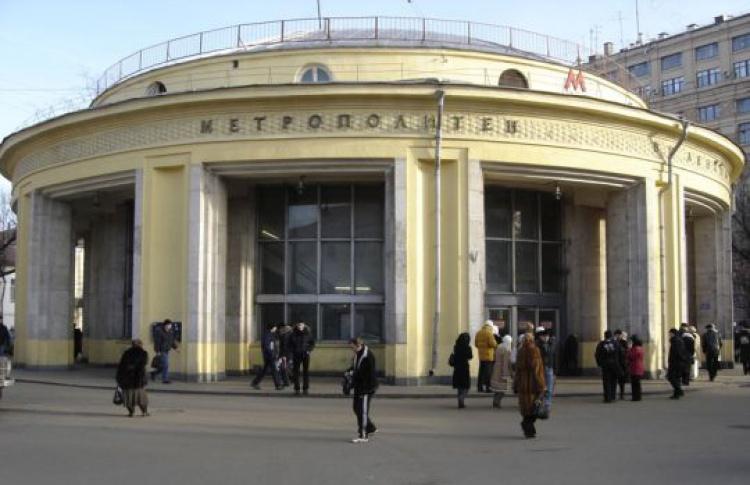 Вход настанцию «Новокузнецкая» ограничат почти надва месяца