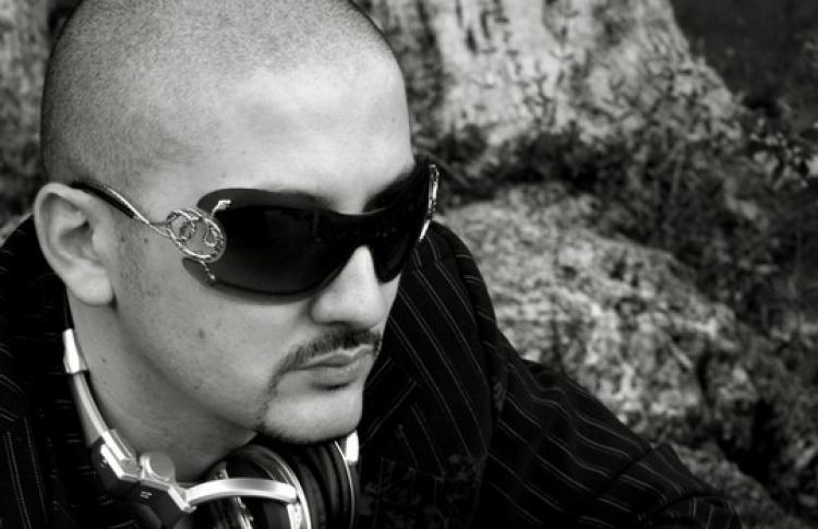 DJs Николя Фасано (Италия), Julia Belle, Sexy Twins, Gold Sky
