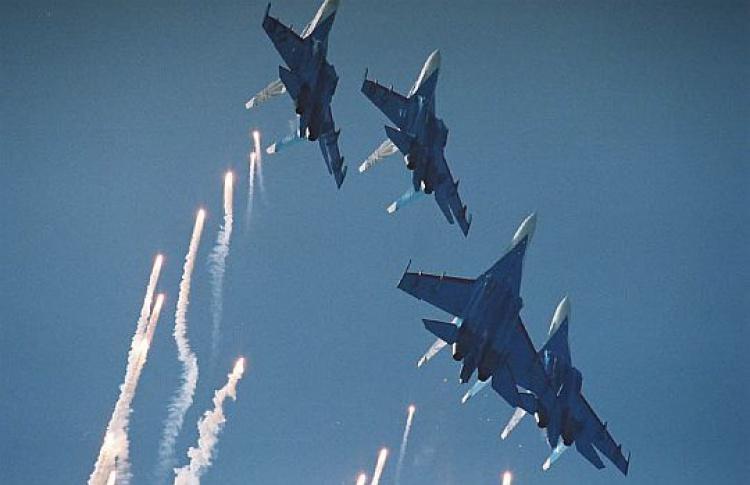 ВДень Победы устроят самое масштабное авиашоу