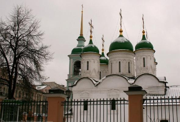 Храм Живоначальной Троицы в Листах - Фото №0
