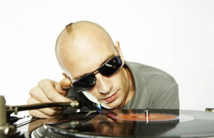 I.Am [Now] Plugged-I. DJ Fish & DJ Spy.der