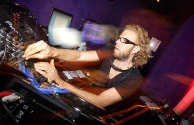 DJs Malik Alary (Hotel Costes, Франция), Eric Duvalet, Виталик