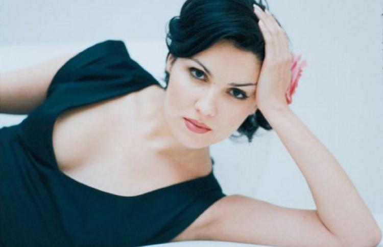 Анна Нетребко (сопрано)