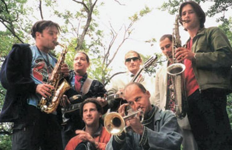 Цыганский ансамбль Besh o Drom