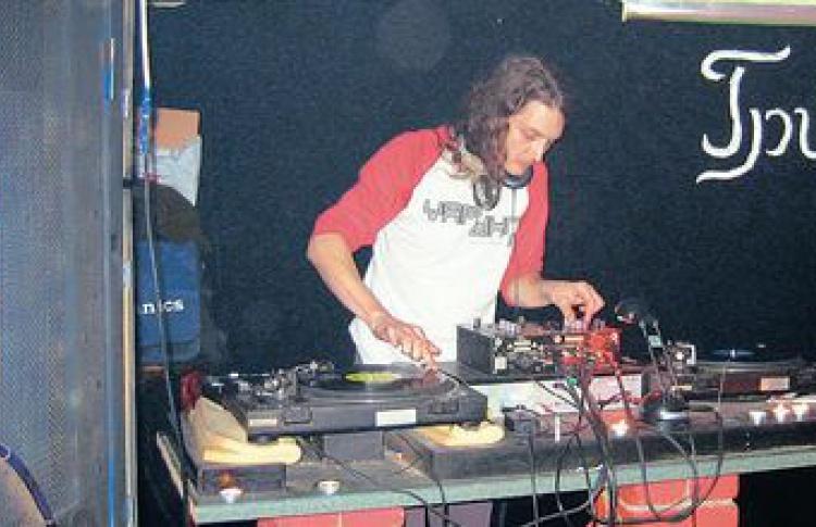 "Small Holland Party - ""Ночь Абсента"". DJs da Vinci, Елкашу, Sinkinson"