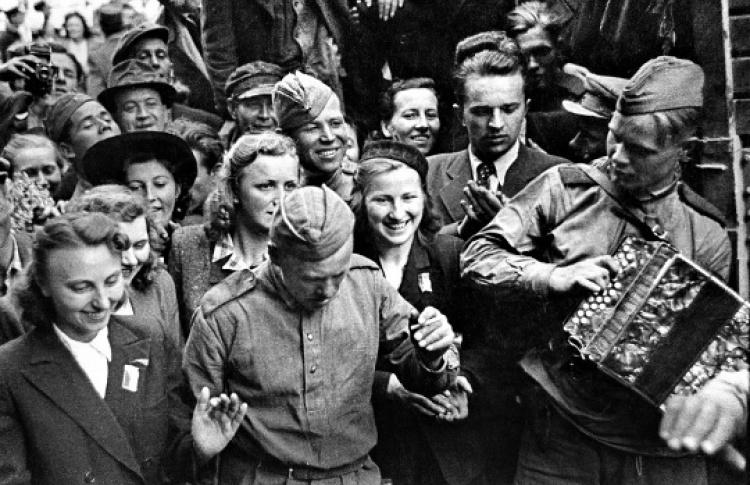 1945 - освобождение