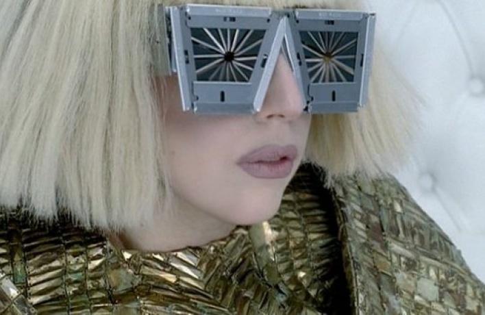 YouTube отмечает 5-летие рекордом Леди Гаги