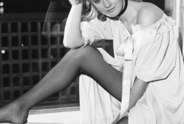 Самые знаменитые девушки Бонда - Фото №7