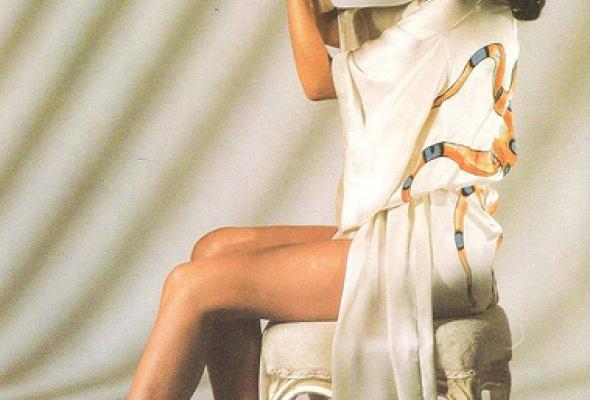 Самые знаменитые девушки Бонда - Фото №17