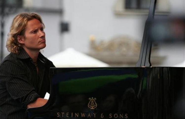 Алекси Туомарила (фортепиано, Финляндия) и Ничей Квартет