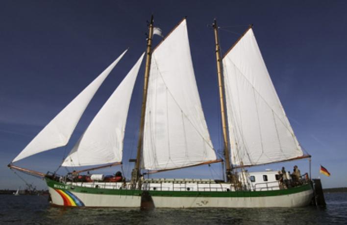 «Открытый борт» накорабле Гринпис Белуга— II