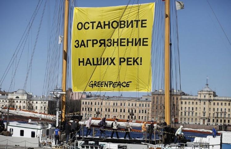 """""""Белуга II"""" приглашает москвичей на борт..."""