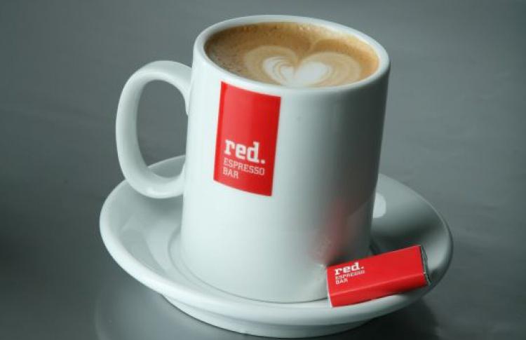 Знаменитости встанут забарную стойку Red Espresso Bar