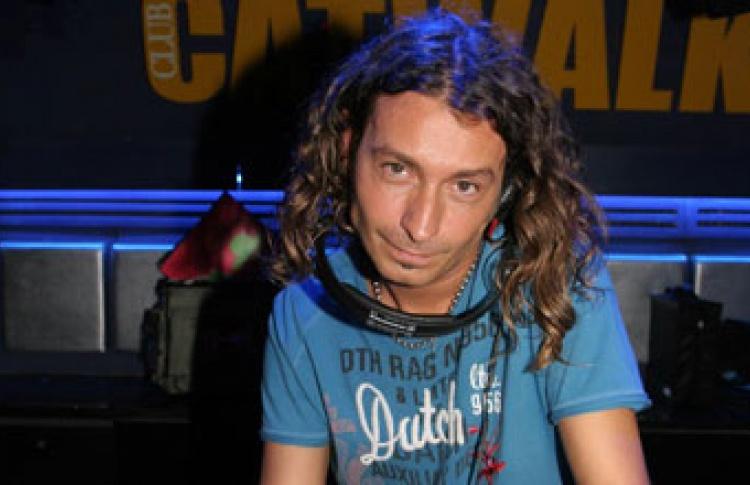 Коррида: DJs Jesse Garcia, Juanjo Sampleking (оба - Испания)
