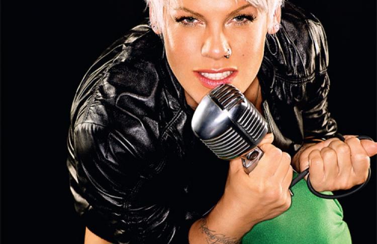 Анти-Барби многобюджетной поп-музыки Pink привезет полноценное цирковое шоу.