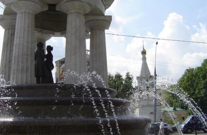 Пить воду изфонтана можно только наНикитских воротах
