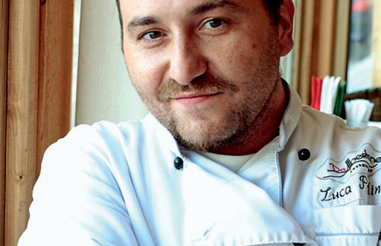 Шеф-повар ресторана DaAlbertone отрадиции походов врестораны всей семьей.