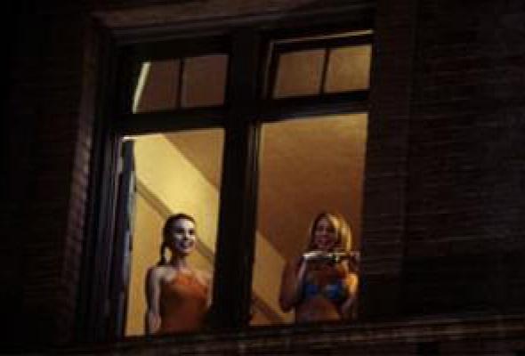 Сто девчонок и одна в лифте - Фото №12