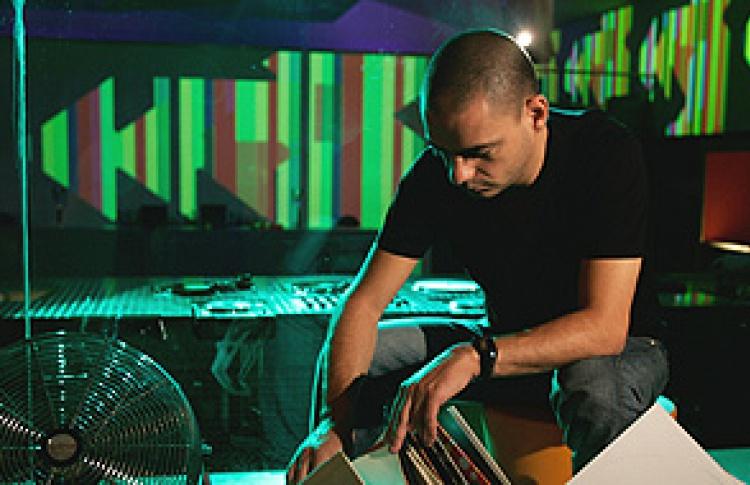 """9 лет """"Пропаганде"""" - праздничный уикенд: DJ Llorka (Франция)"""