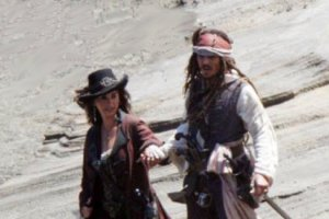 Фото Пенелопы Крус иДжонни Деппа насъемках «Пиратов-4»