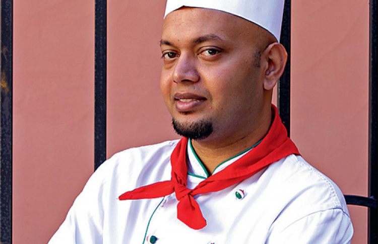 Шеф-повар ресторана LаCucaracha облюдах мексиканской кухни.