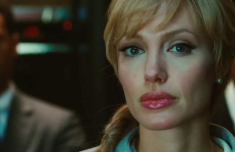 Анджелина Джоли: «Недумаю, что смогла бысыграть слабую дамочку»