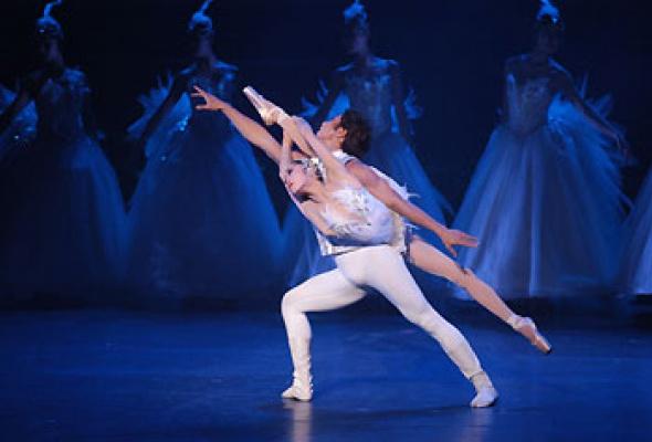 """Китайский акробатический балет """"Лебединое озеро"""" - Фото №10"""