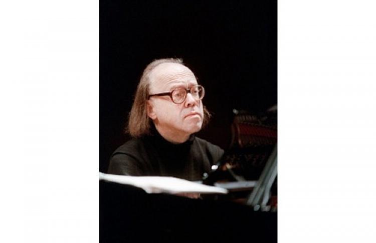 Валерий Афанасьев (фортепиано)