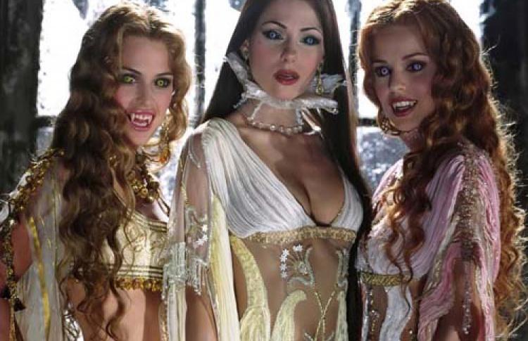 """Halloween в баре """"Гадкий Койот"""". Вечеринка """"Невесты Дракулы"""""""