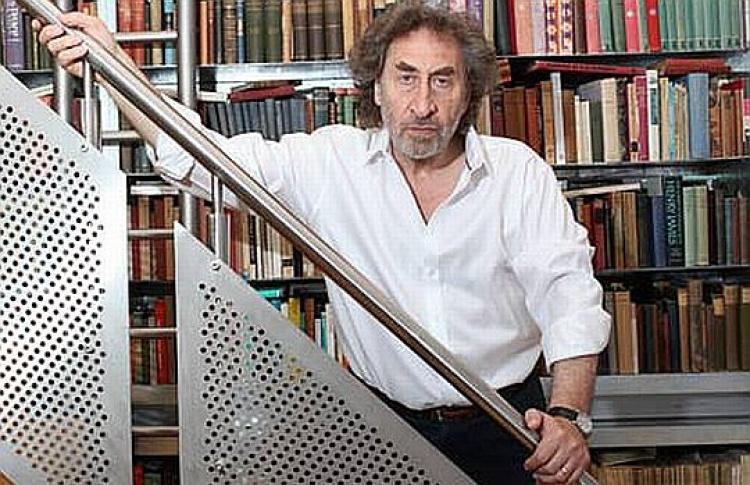 Букеровская премия за2010 год досталась британскому писателю