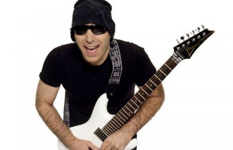 Joe Satriani (США)