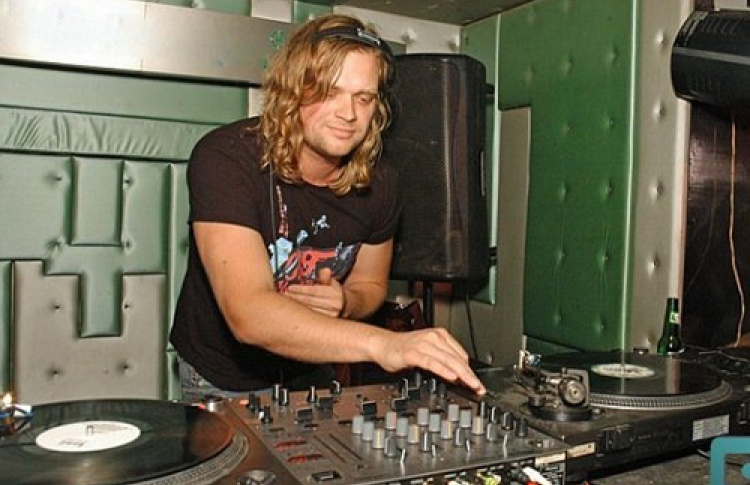 Electronik Halloween. DJs Muhomorov, Kosinus, Sasha Kaktus, Kirill Linne, Andrey Shpak
