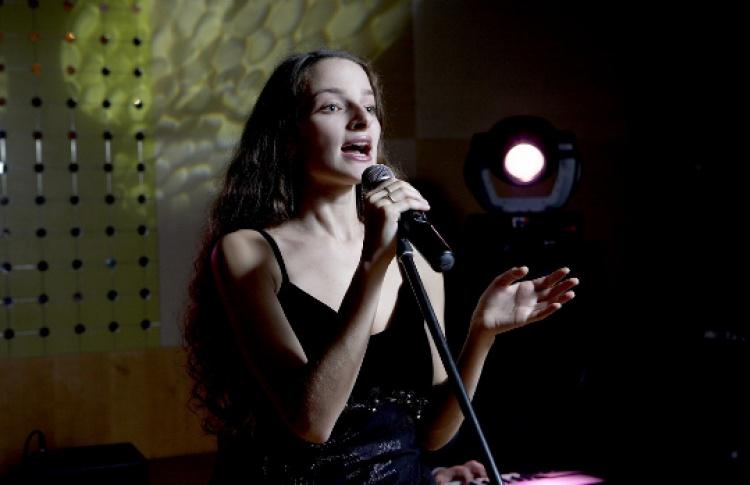 Ирина Родилес (вокал) + Алина Ростоцкая (вокал) + Полина Зизак (вокал) + Трио Евгения Борца